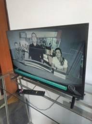 Título do anúncio: Tv smart philco no plástico  sem nenhum defeito