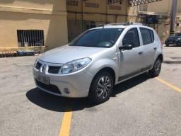 Título do anúncio: Vendo ou troco Renault 1.6