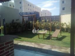 Apartamento com 2 dormitórios para alugar, 45 m² por R$ 650,00/mês - Chácaras Tubalina E Q