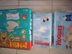 Título do anúncio: 3 pacotes de fraldas por R$ 70