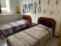 Título do anúncio: Conjunto de duas camas e criado mudo