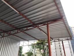 Cobertura metálica seminova completa com telhas e estrutura