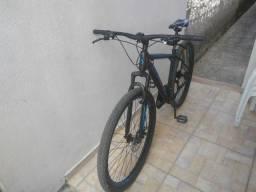 Título do anúncio: Bike aro 29 em alumínio 21v bem novinha.