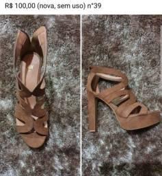 Diversos sapatos semi novos