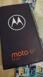 Motorola E7 plus na caixa