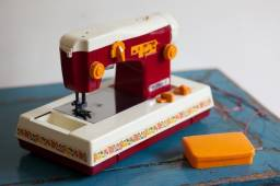 Máquina de costura da marca Estrela, quem lembra?