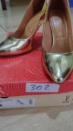 Sapato Scarpin Dourado