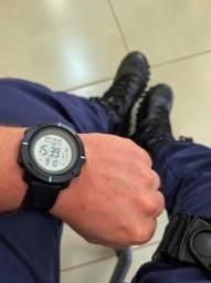 Título do anúncio: Relógio Skmei Preto Pulseira Borracha Novo