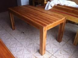 Mesa em madeira teca sem uso