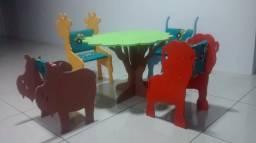 Mesa E Cadeiras Criança Em Forma De Bichos