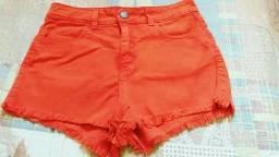 Short vermelho tamanho 38