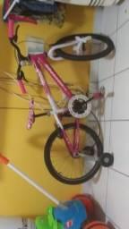 Vendo bicicleta infantil por 100 reais