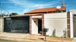 Aceita Permuta Próximo Colégio Militar Casa com Piscina Portal Panamá