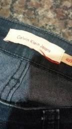 Promoção! Calça da marca Calvin Klein, novíssima!