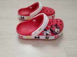 Crocs original Minnie usado