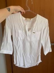 Camisa básica e leve branca
