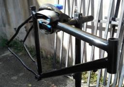 Quadro Aço Carbono aro 26 tamanho 18 preto V brake