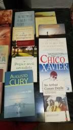 Dezesseis livros por 130 reais ou dez reais cada - leia a descrição abaixo