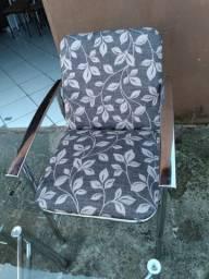 Cadeiras no aço inox