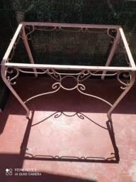 Jogo de Mesa Antiga com Cadeiras