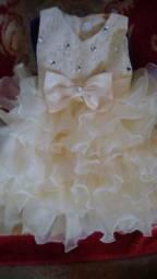 Vendo vestido de festa novo tamanho 2 a 3 anos pra sair hoje