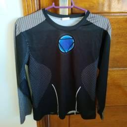 Camisas super-heróis usadas, em ótimo estado.