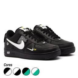 Tênis Nike Air Force 1 TM<br><br>