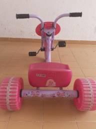 Título do anúncio: Triciclo Bandeirantes Barbie