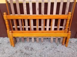 Título do anúncio: Cama de madeira de casal.