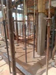 Escoramentos metálicos- usados, ( 3.10 metros-100 unidades) Valor: R$170,00 a unidade.
