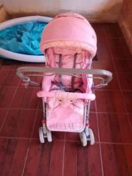 Vendo carrinho de bebê de menina