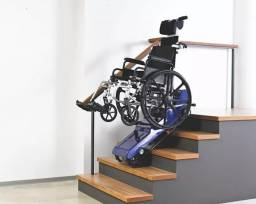 Escalador de escadas semi novo na caixa