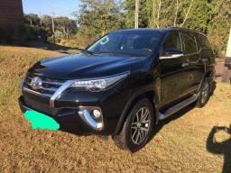 Título do anúncio: Toyota Hilux SW4 2017