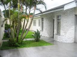 Casa 6 quartos (1 suíte), R. Ernesto de Araujo, terreno amplo 691m², Próx. Jd. Botânico