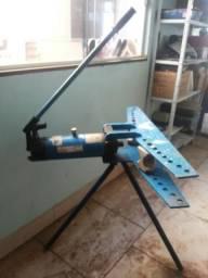 Curvador / dobradeira de tubos e de eletrodutos