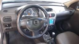 Corsa Sedan Premium - 2011