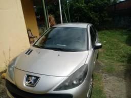 Peugeot 207. 2011 13.500,00 - 2011