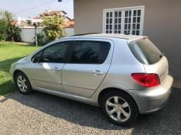 Carro impecável - 2009