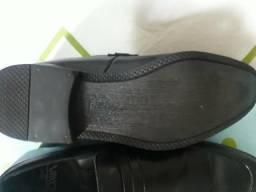 Vende-se este sapato ñ 39 !