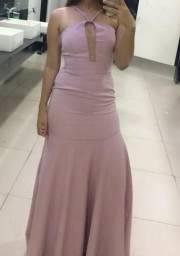Vendo ou alugo vestido de festa modelo sereia. Venda R$ 200,00 / aluguel R$ 90,00