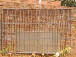 Vendo portão de grade