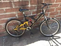 Bicicleta + cadeirinha para criança