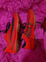 130 $ Chuteira mercurial da Nike