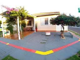 Linda Casa Reformada Village Parati