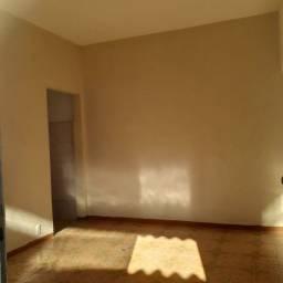 Título do anúncio: Casa em Vista Alegre com 02 Quartos etc // Seguro Fiança G R Á T I S