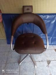 Título do anúncio: Cadeira de salão nova, em estado de zera!