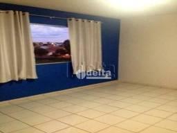 Apartamento com 2 dormitórios à venda, 50 m² por R$ 135.000,00 - Chácaras Tubalina - Uberl