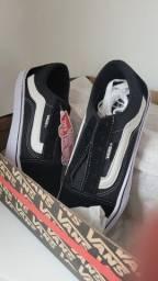 Título do anúncio: Tênis Vans Old Skool Preto/ Branco NOVO tam 36