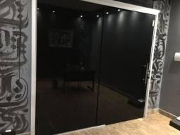 Título do anúncio: Porta de vidro para loja, com fumê