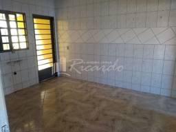 Casa com 2 quartos - Bairro Jardim Santo Antônio em Arapongas